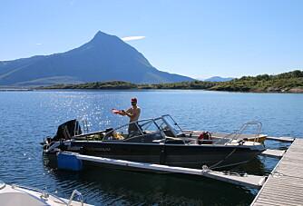 På ferietur i småbåt langs Helgelandskysten