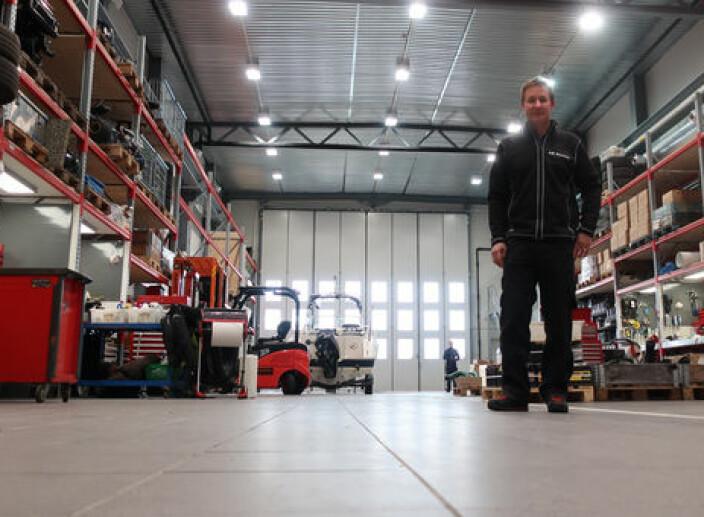 RENT: Barry-Berg har god plass til å fikse båt innendørs.