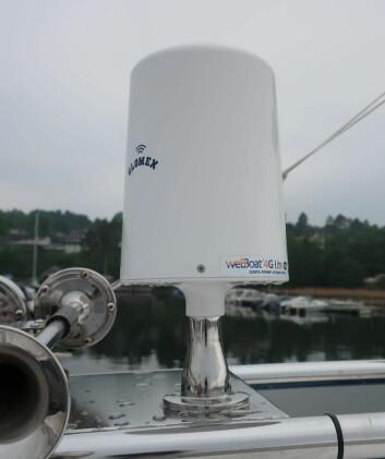 ANTENNE: WebBoat tar inn både WiFi og 4G og forsterker signalet. Antennen gir økt rekkevidde for mobiltelefonen, ut mot 15 nautiske mil.