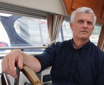 TESTER: Ole Paulsen er en erfaren båtbruker med fartstid fra Tjøme Radio. Nå jobber han for Seatronic hvor butikkens produkter blir testet ut i hans Saga 315.