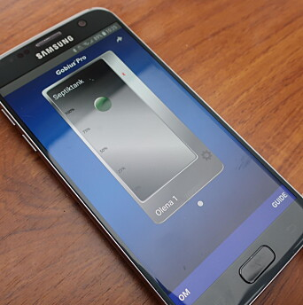 BLUETOOTH: Sensoren sender signaler direkte til mobilen som viser nivået på innholdet.