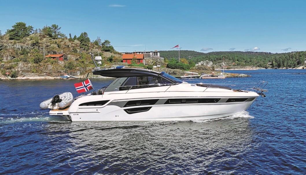KJØP BÅT NÅ: Hos Bavaria Båt Norge i Leangbukta står det utstilt sju motorbåter som du kan gå om bord i.