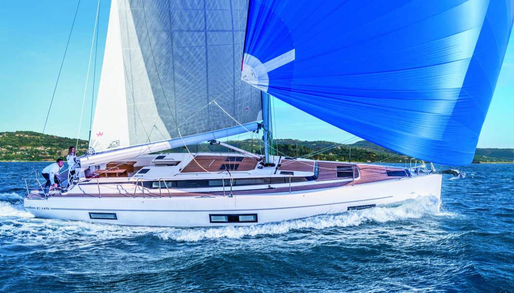 SEILGLEDE: Allerede nå kan du forberede deg til sommeren og bestille seilbåt hos Bavaria Båt Norge. Her er Bavaria C45 i fint driv.