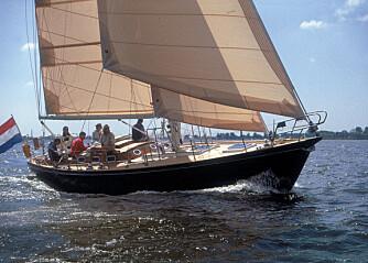Gedigen langturbåt