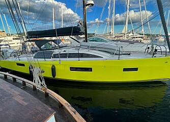 Kul gul båt på Aker Brygge